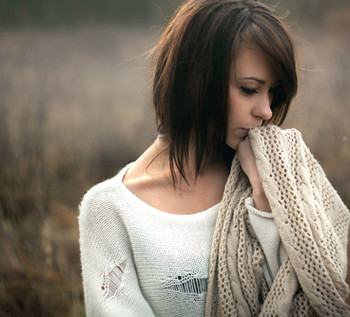 sad-brunette-woman-outside-alone